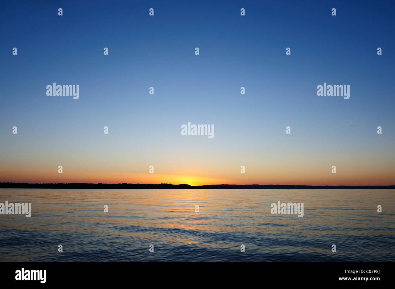 Sonnenuntergang am Starnberger See oder den Starnberger See in ...