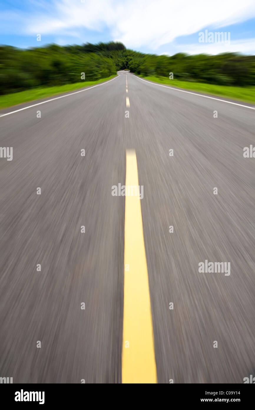 High-Speed und leere Straße Stockbild