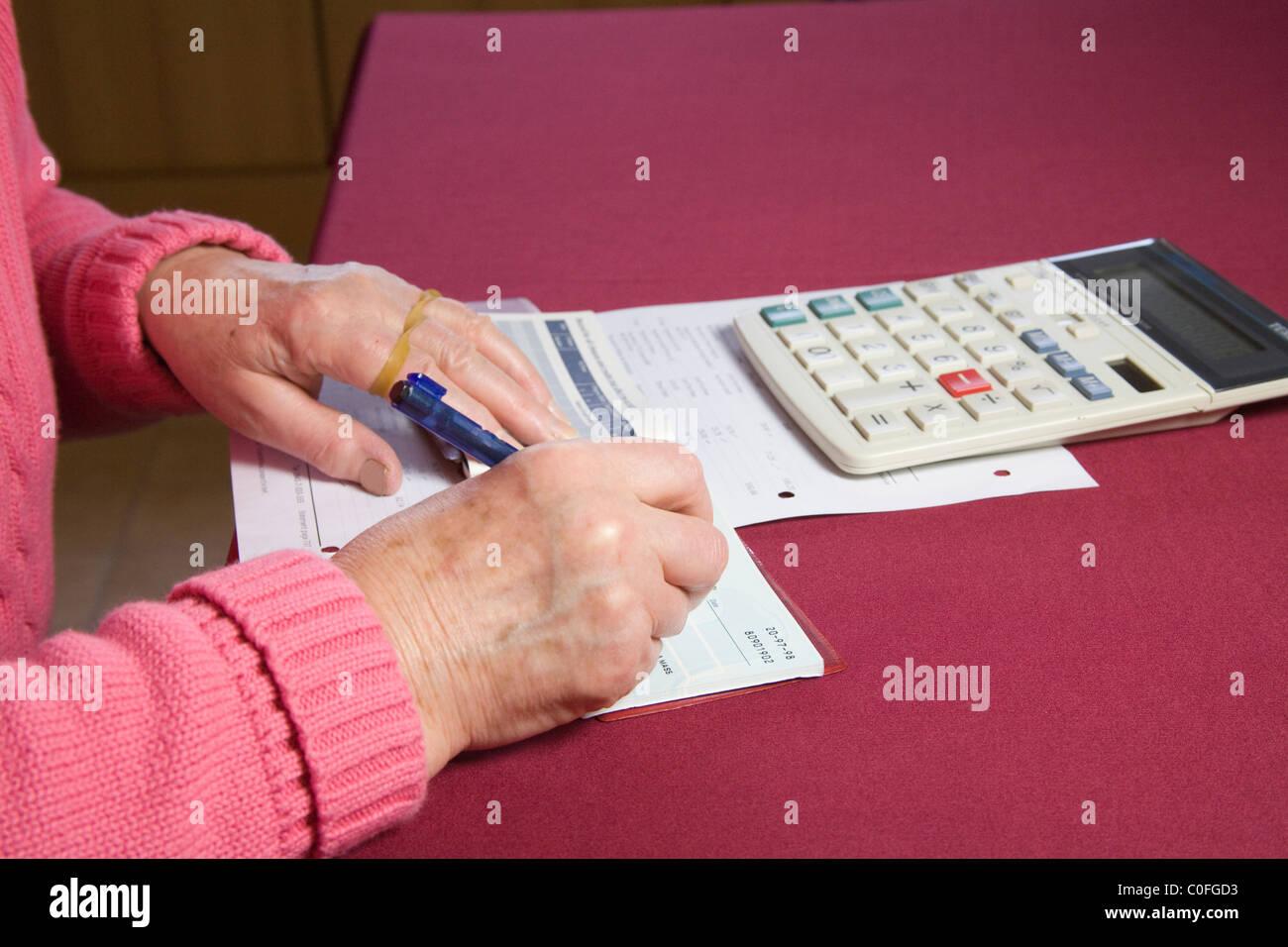 Niedlich Schreiben Des Probewiederaufnahme Papiers Zeitgenössisch ...
