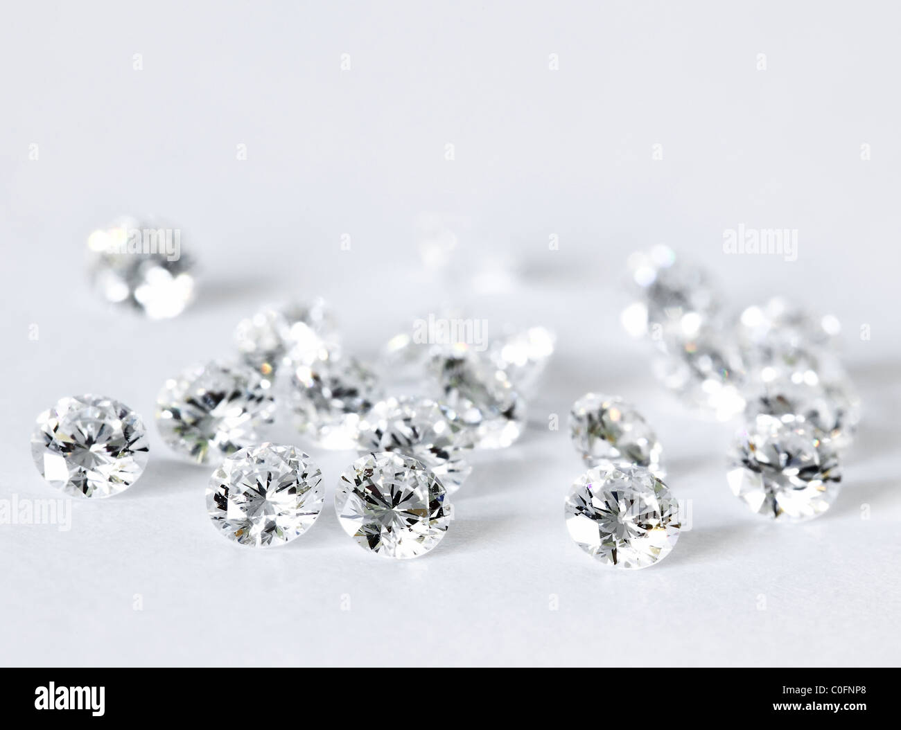 Lose Diamanten, Runde brillanten cut.on weißer Hintergrund. Stockbild