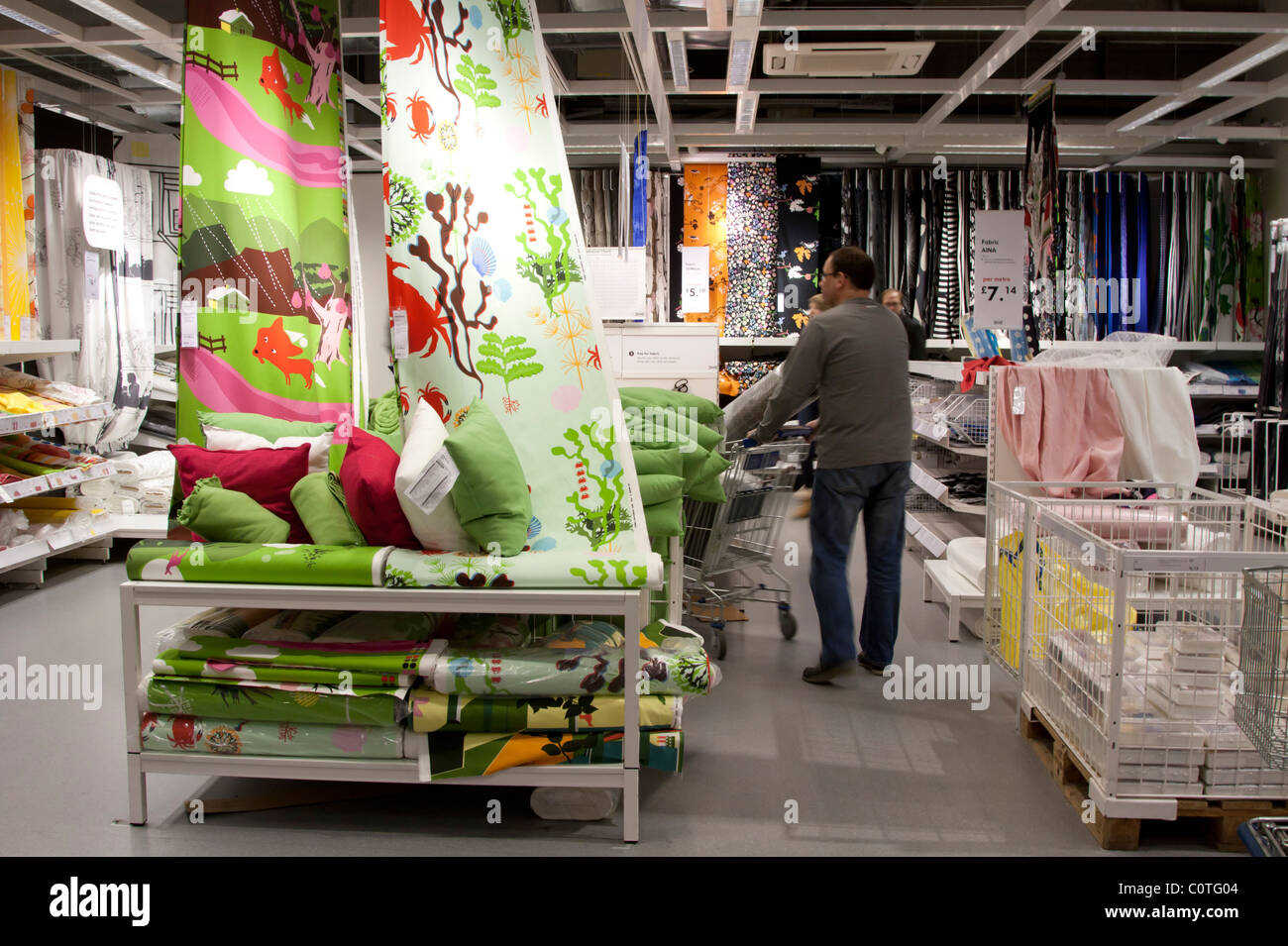 textilabteilung ikea einrichtungshaus wembley london stockfoto bild 34960132 alamy. Black Bedroom Furniture Sets. Home Design Ideas