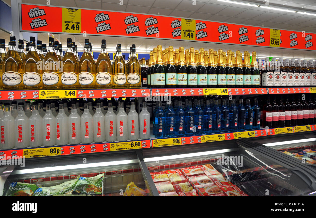 lidl discounter in newhaven besondere angebote auf alkohol stockfoto bild 34965530 alamy. Black Bedroom Furniture Sets. Home Design Ideas