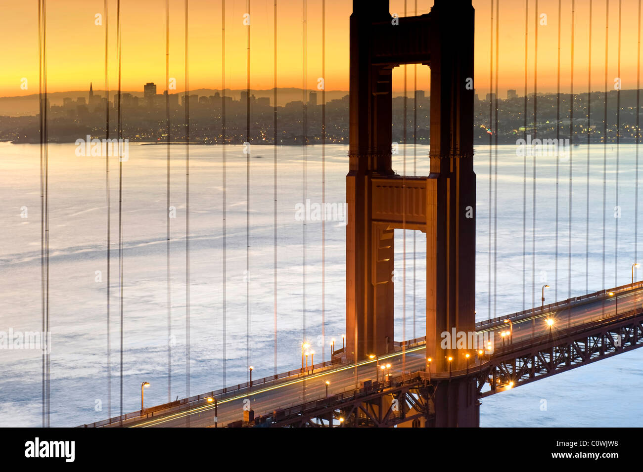 USA, California, San Francisco, Skyline der Stadt und Golden Gate Bridge Stockbild