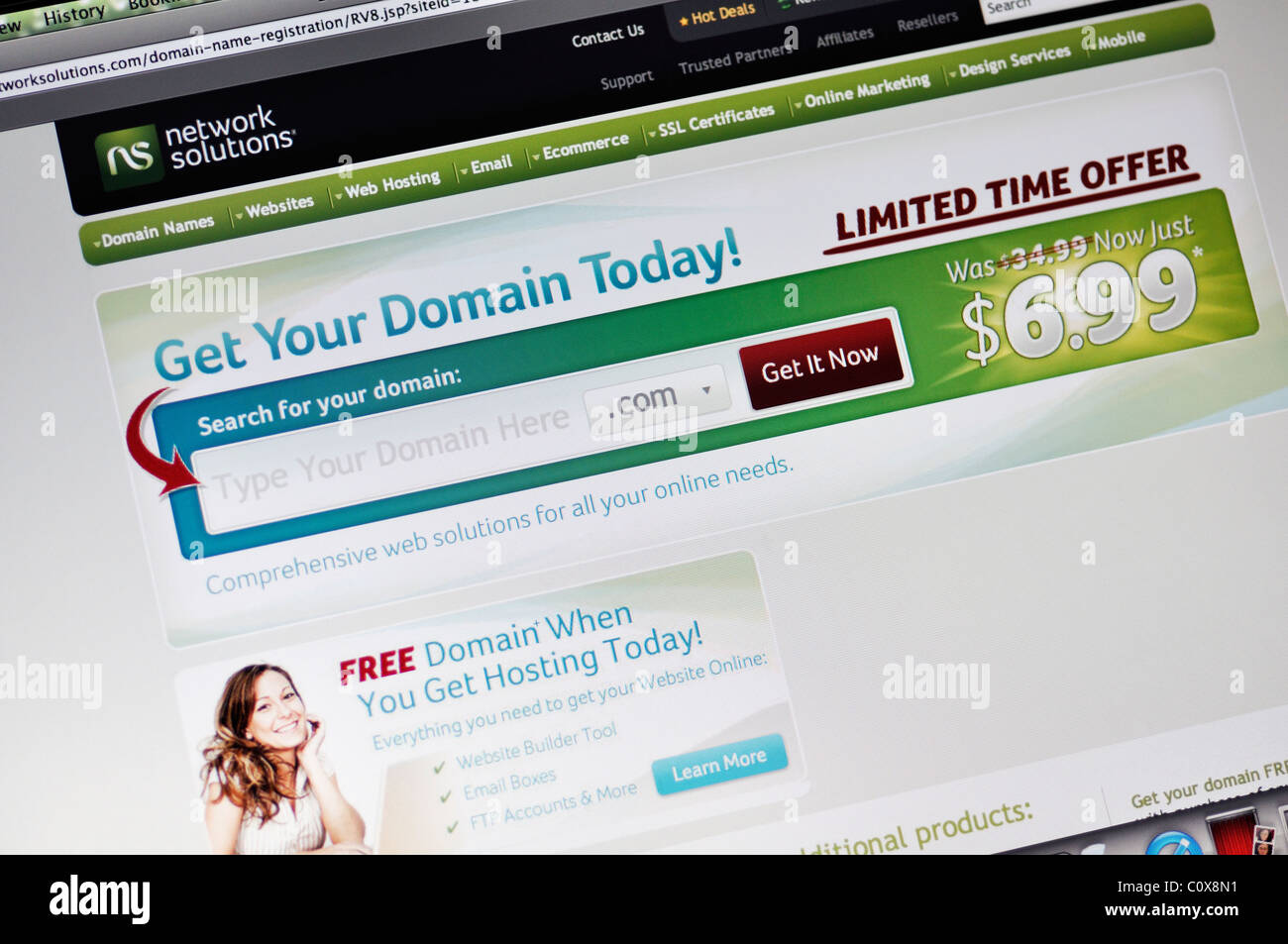 Network Solutions-Website - Domain-Namen, Web-hosting und Online-marketing Stockbild