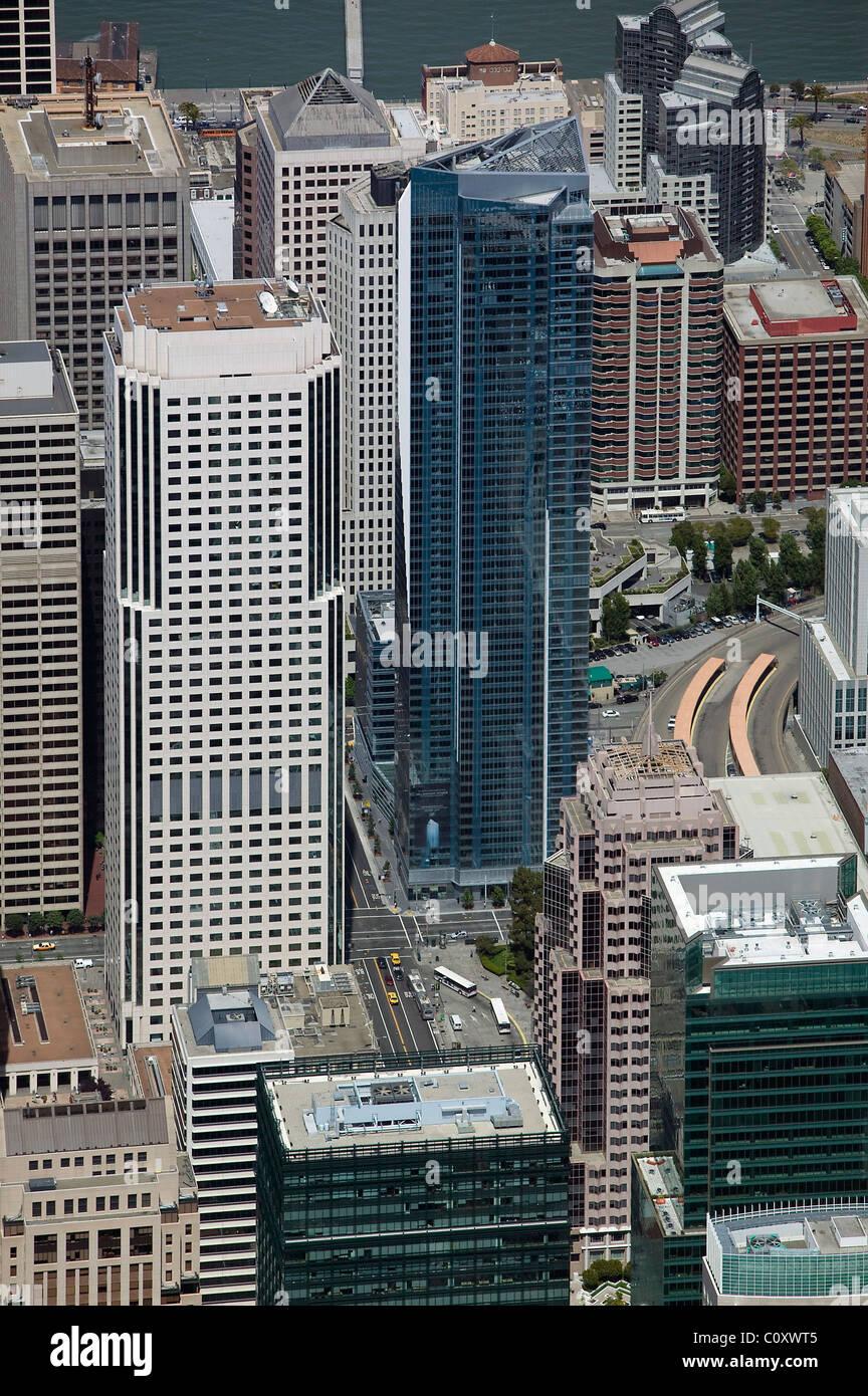 Luftaufnahme über Millennium Tower Büro nebenan Hochhäuser San Francisco Kalifornien Stockbild
