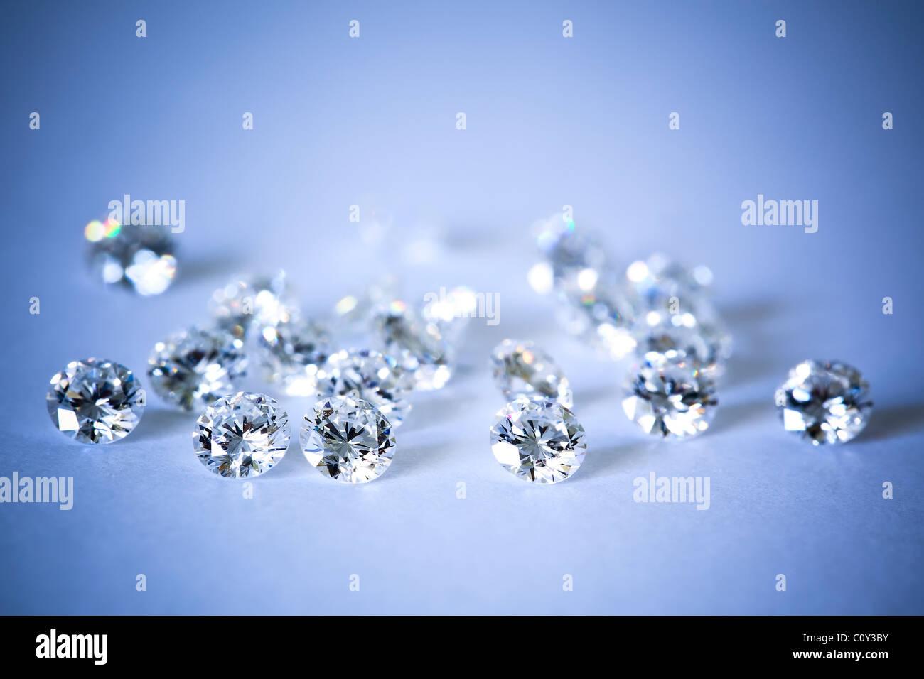 Lose Diamanten, runde Brillantschliff. Stockbild