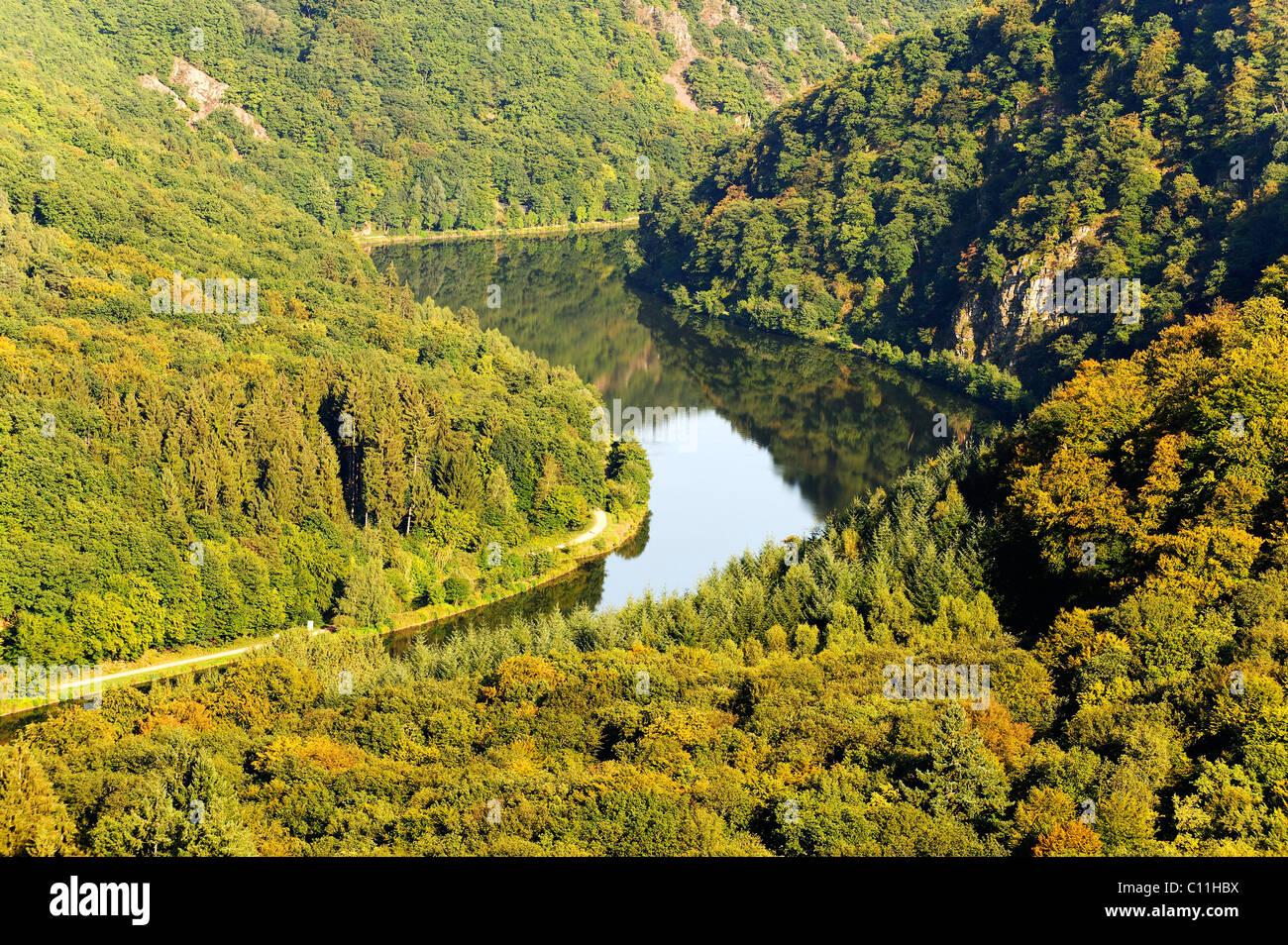 Sinuosity des Flusses Saar vom Aussichtspunkt Cloef bei Orscholz, Mettlach, Saarland, Deutschland, Europa Stockbild