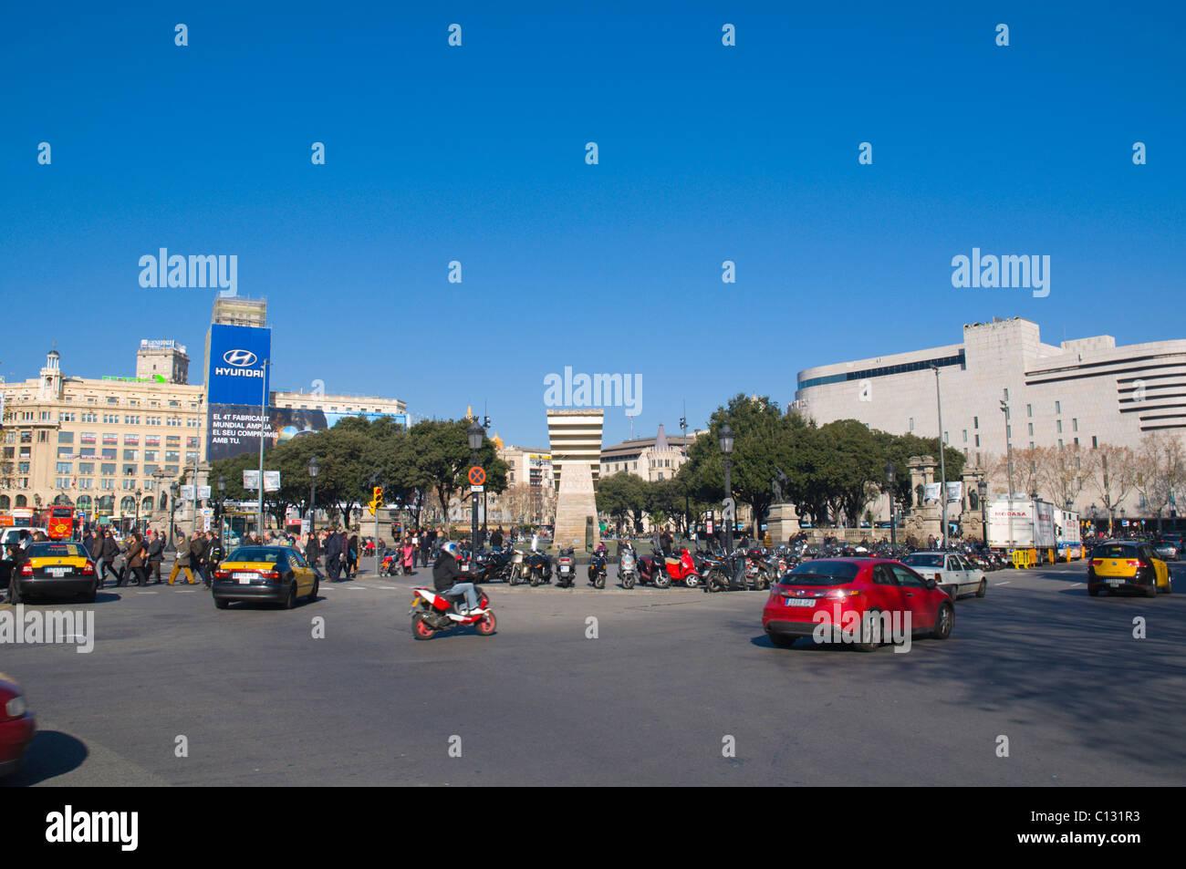 Verkehr am Placa de Catalunya Platz Barcelona Catalunya Spanien Europa Stockbild