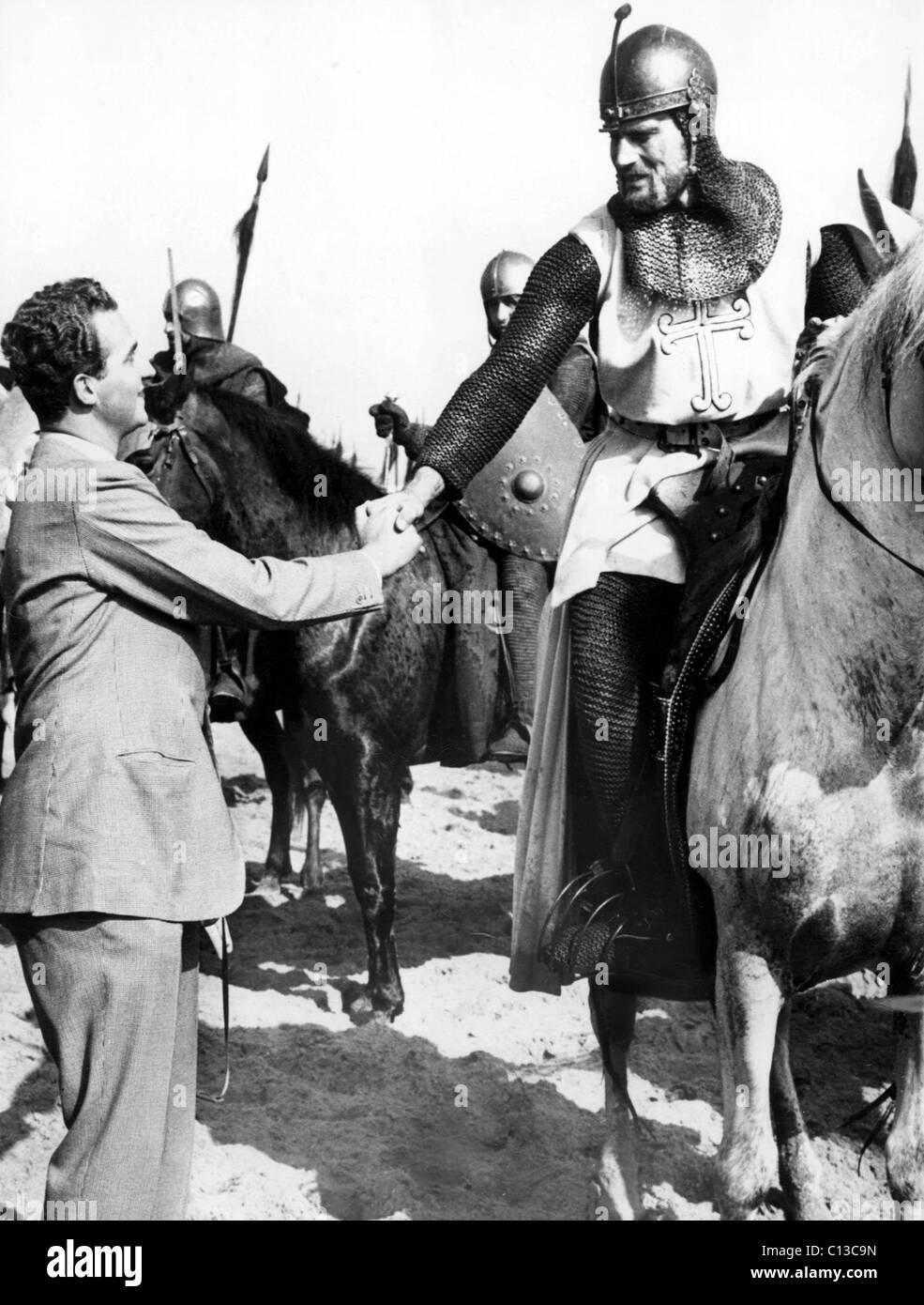 Prinz JUAN CARLOS DE BOURBON besucht CHARLTON HESTON während der Spanien-Standort für EL CID, 1961 Stockbild