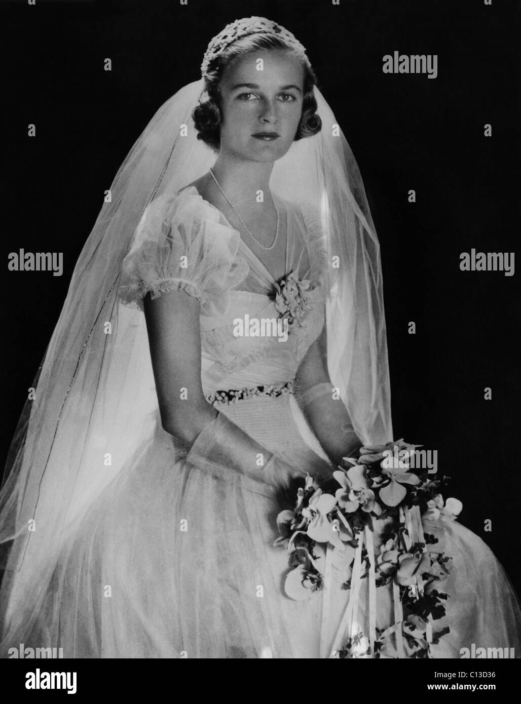 Gown 1930s Stockfotos & Gown 1930s Bilder - Alamy