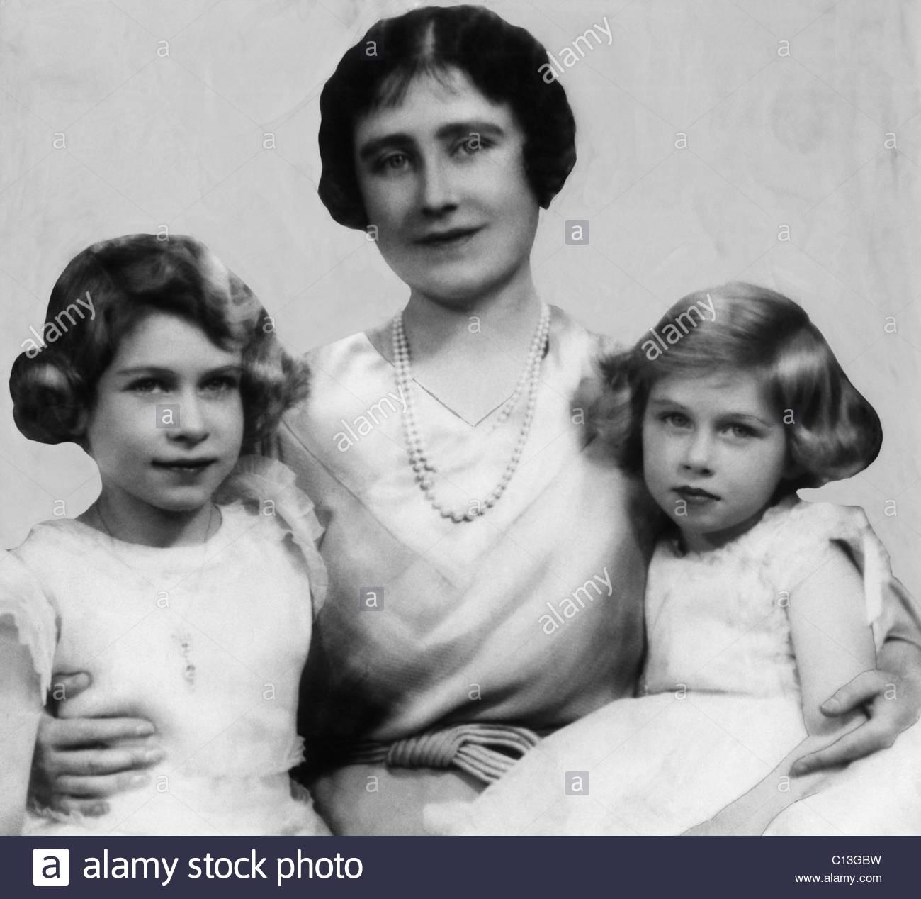 Königinmutter Elizabeth Mitte Und Ihre Kinder Prinzessin Und