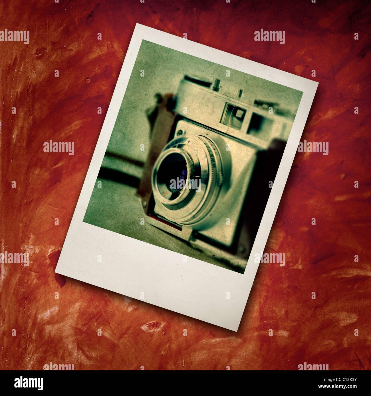 Polaroid-Rahmen mit einem Bild von einem alten altmodischen ...