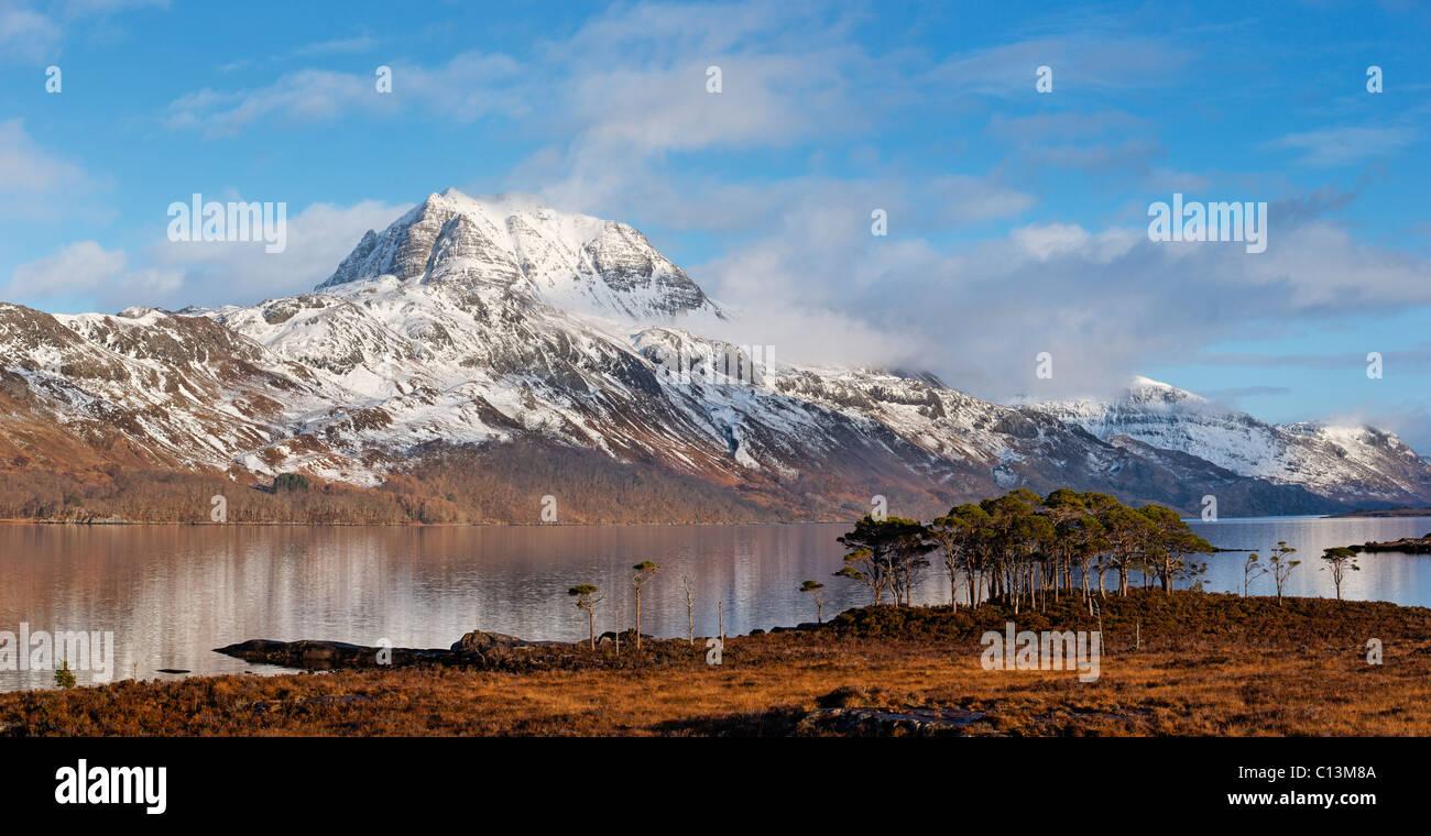 Slioch und Loch Maree, Wester Ross, Highland, Schottland, Vereinigtes Königreich. Stockbild