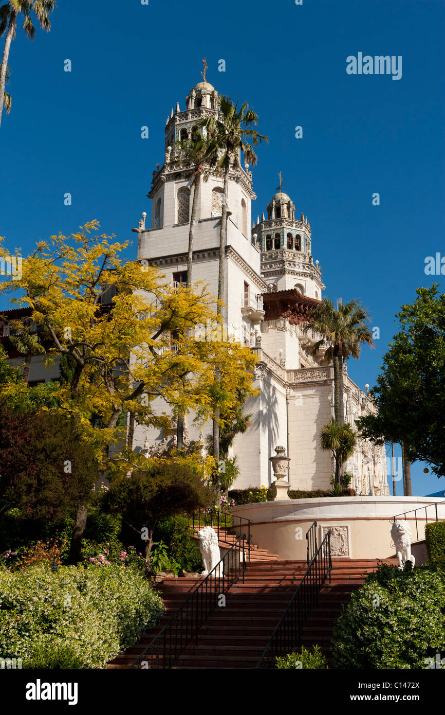 Hearst Castle (La Cuesta Encantada oder The Enchanted Hill) in San Simeon, Kalifornien von William Randolph Hearst Stockbild