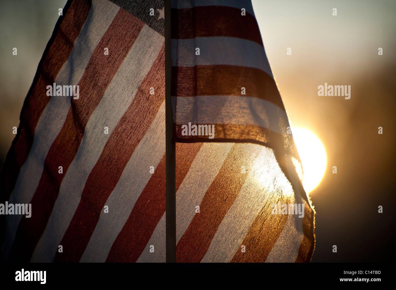 Flagge der Vereinigten Staaten mit Sonne.  La Junta, Colorado. Stockbild