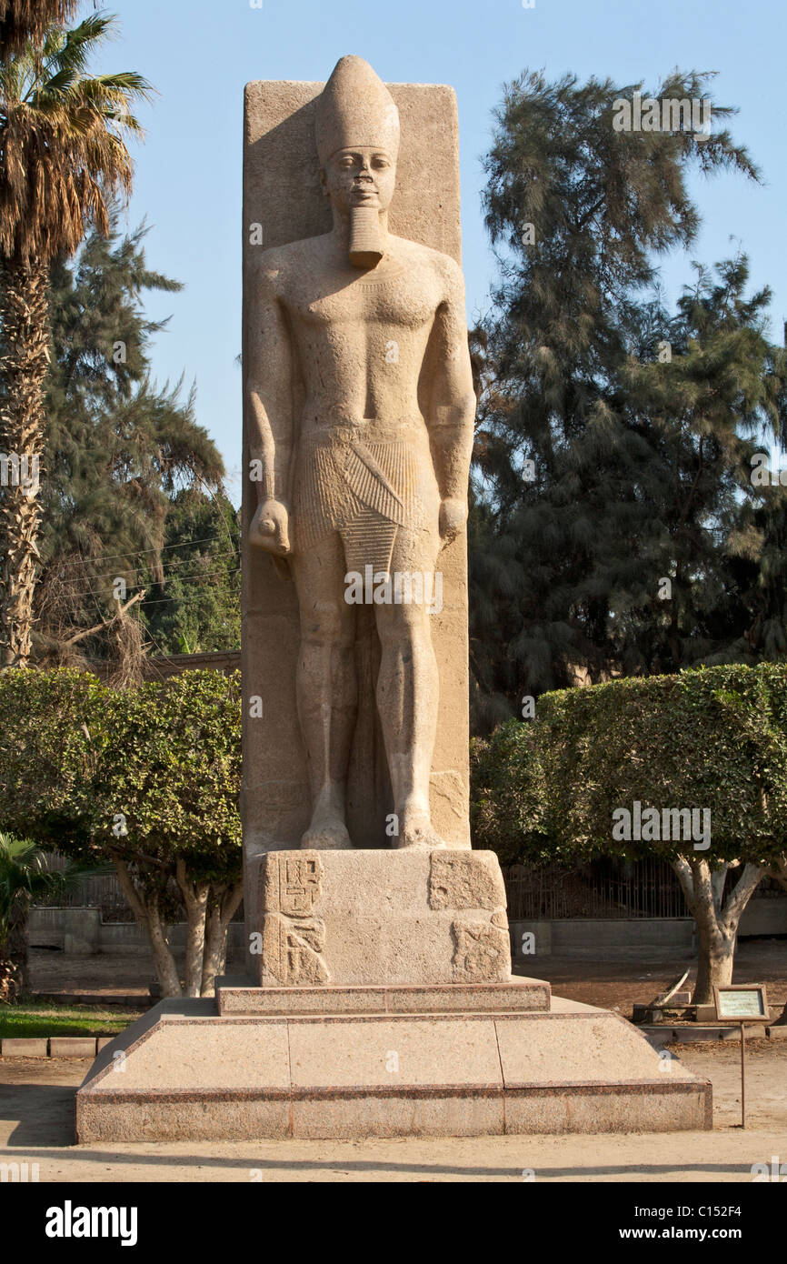 ramses ii statue stockfotos ramses ii statue bilder alamy. Black Bedroom Furniture Sets. Home Design Ideas