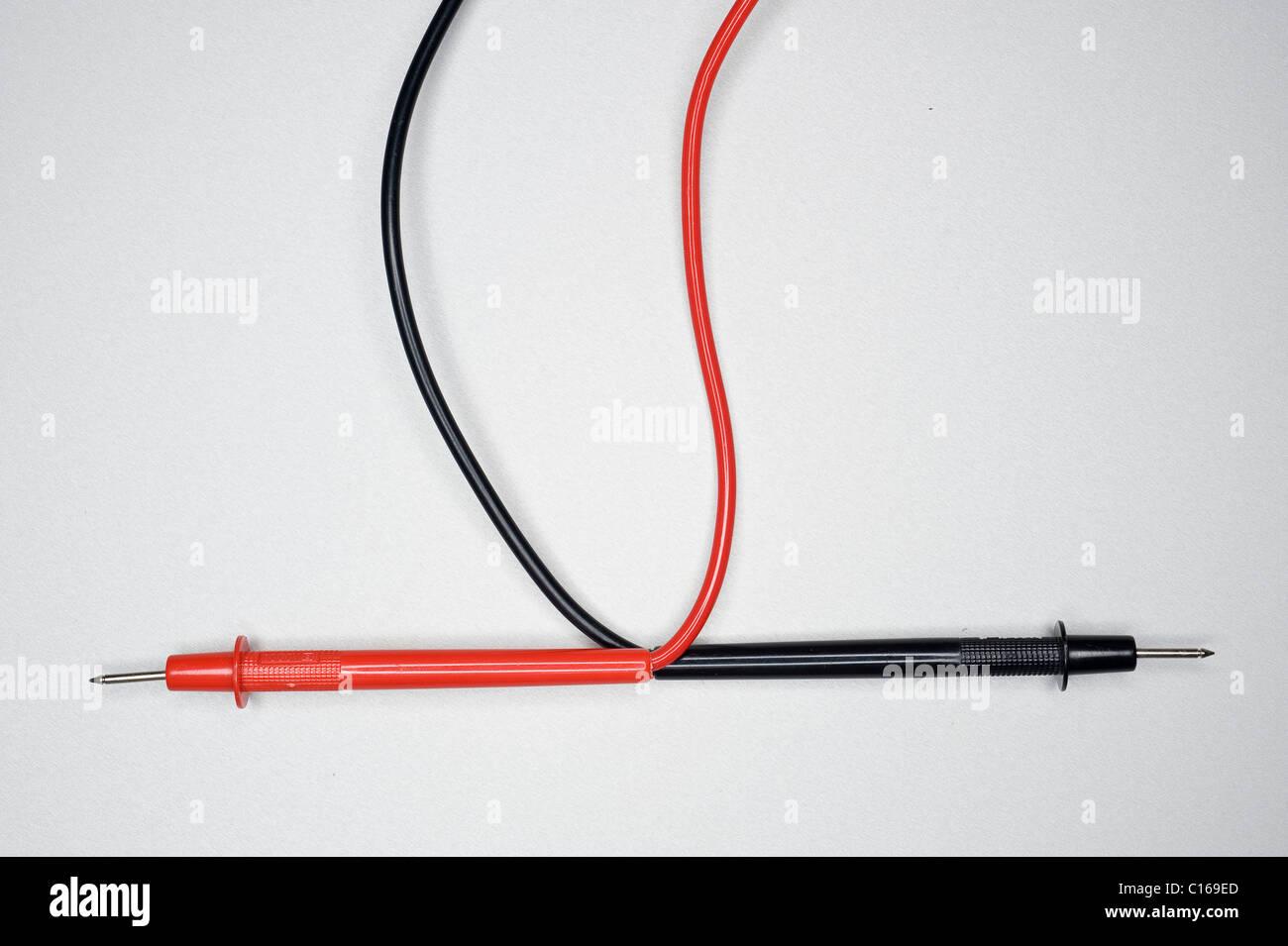 Berühmt Rote Und Schwarze Elektrische Drähte Fotos - Elektrische ...