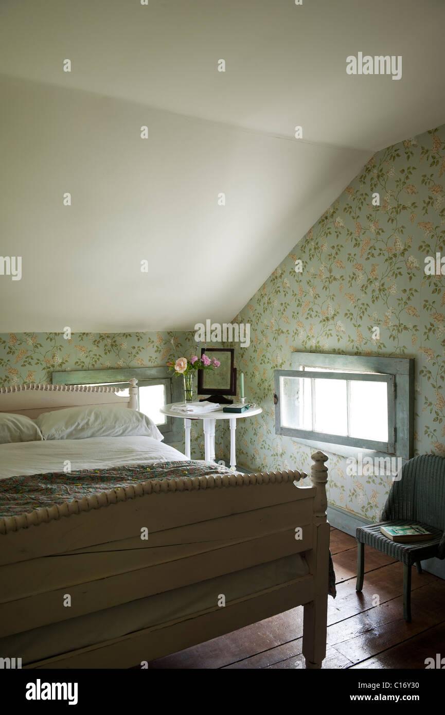 Schlafzimmer im dachgeschoss stockfotos schlafzimmer im dachgeschoss bilder alamy - Dachgeschoss schlafzimmer ...