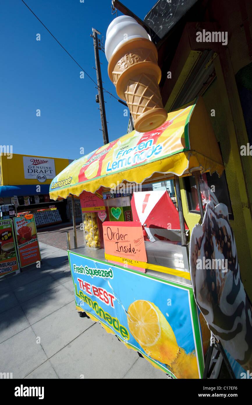 Limonade Stand Warenkorb im Marktplatz in Kalifornien verkaufen ...
