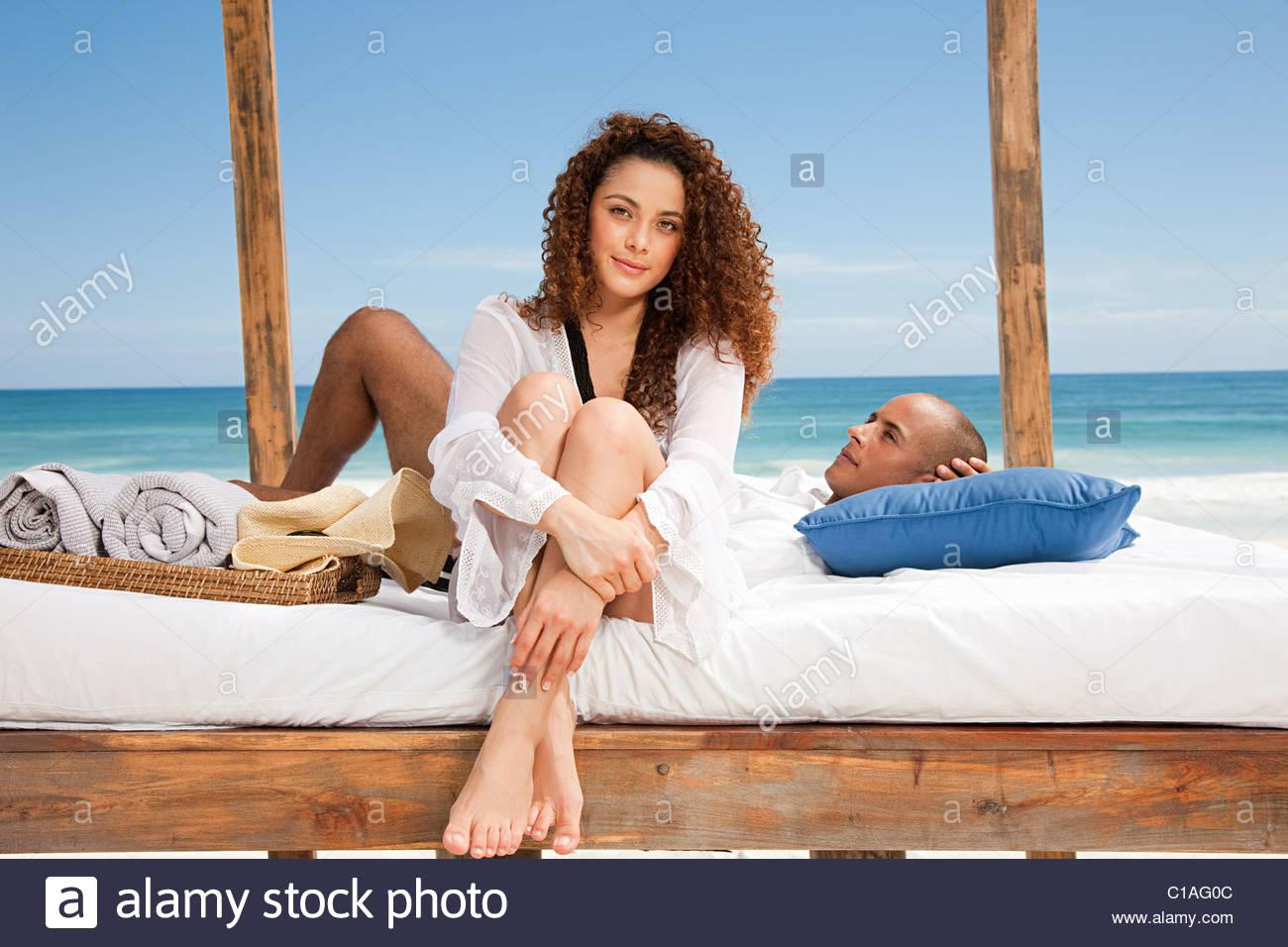 Paar Am Bett Am Strand Im Urlaub Stockfoto Bild 35267468 Alamy