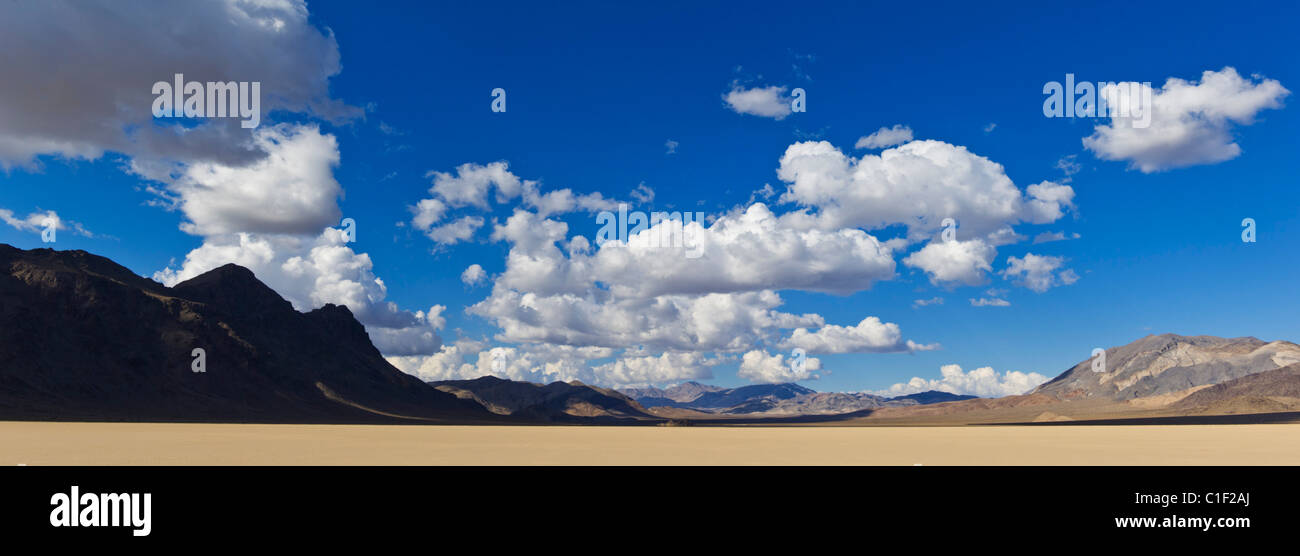 Die Tribüne in Rennstrecke Tal Racetrack Playa, Death Valley Nationalpark, Kalifornien Stockbild
