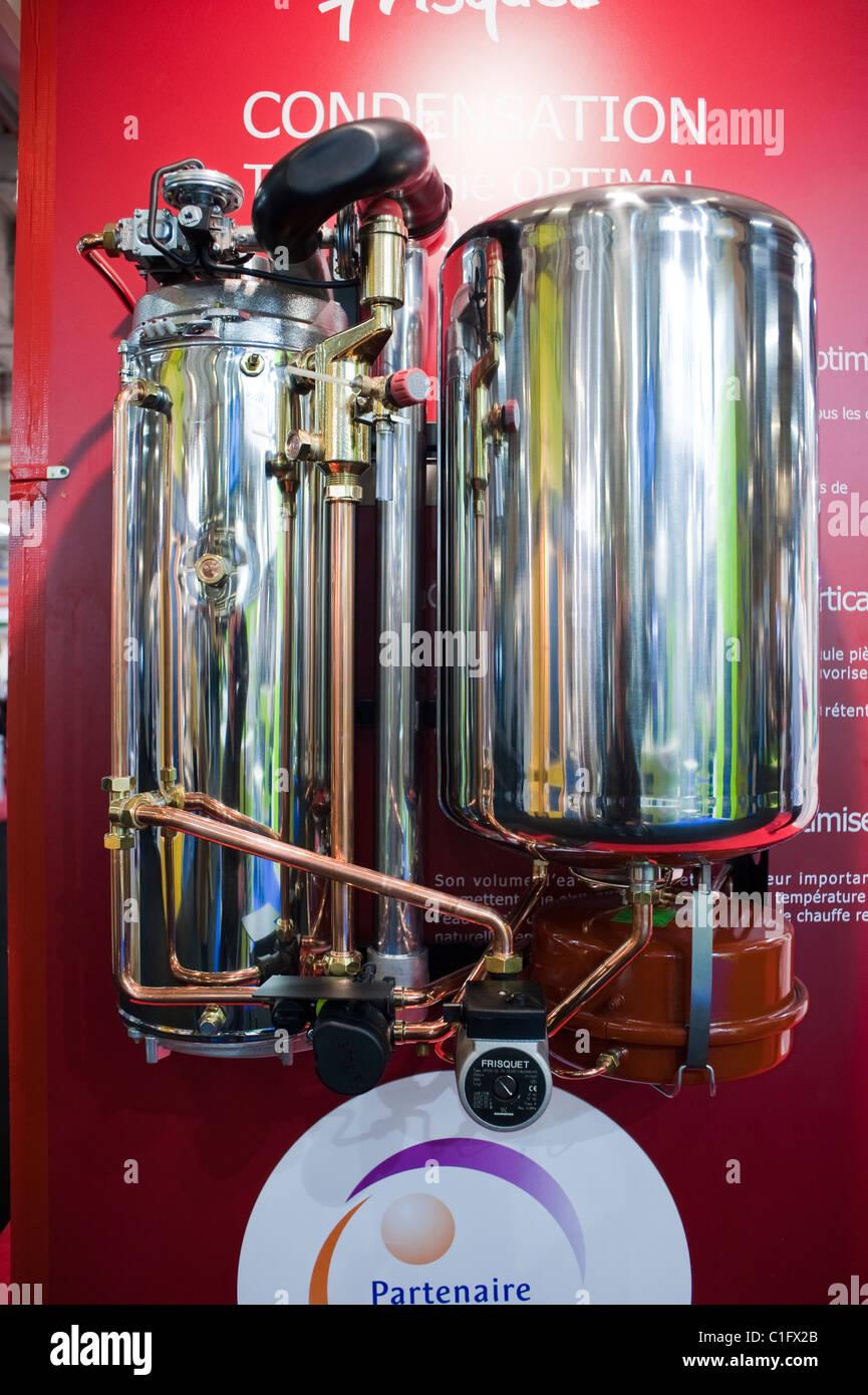 Paris, Frankreich, Haus Energie Sparen Ausrüstung, Heizung Kondensation  Einheit, Fisquet Co.