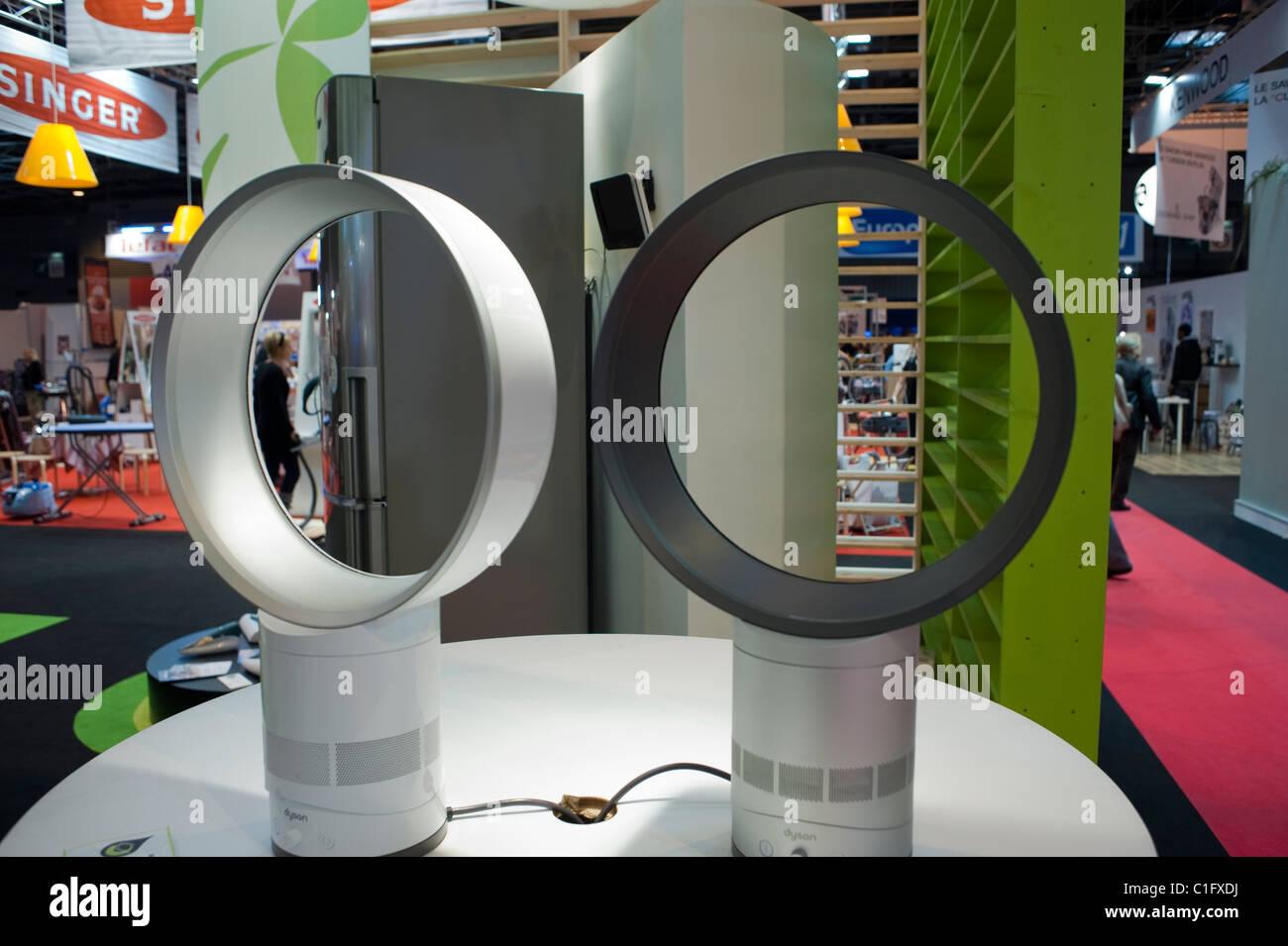 Interiors Technology Trade Show Stockfotos & Interiors Technology ...