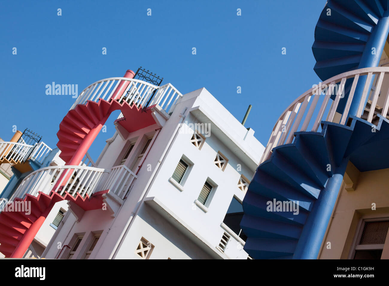 Farbenfrohe Architektur des Wohnblocks.  Bugis, Singapur Stockbild
