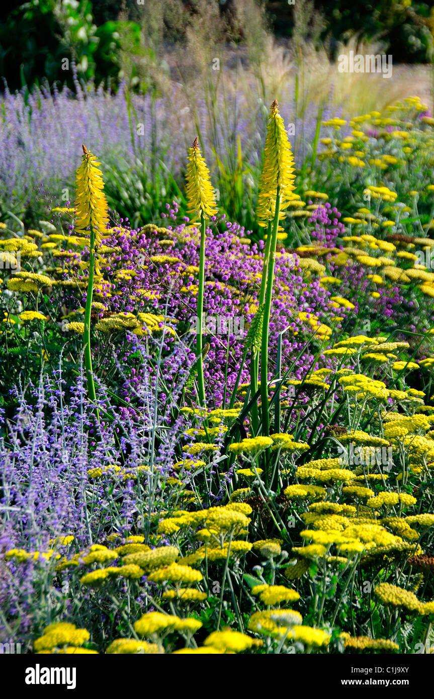 Yellow Gravel Stockfotos & Yellow Gravel Bilder - Alamy