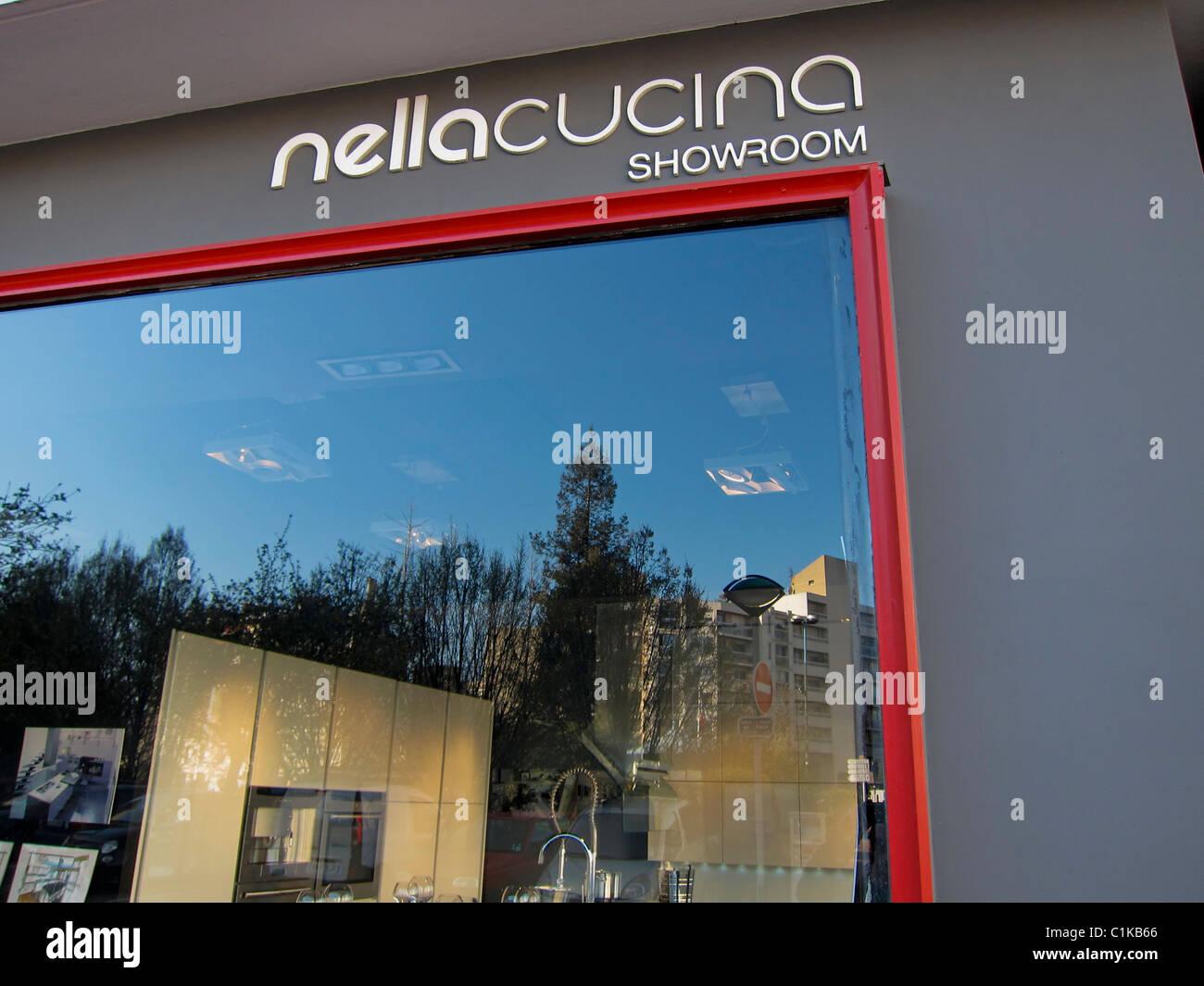 Paris, Frankreich, moderne Küche Design Store, Fenster zu ...