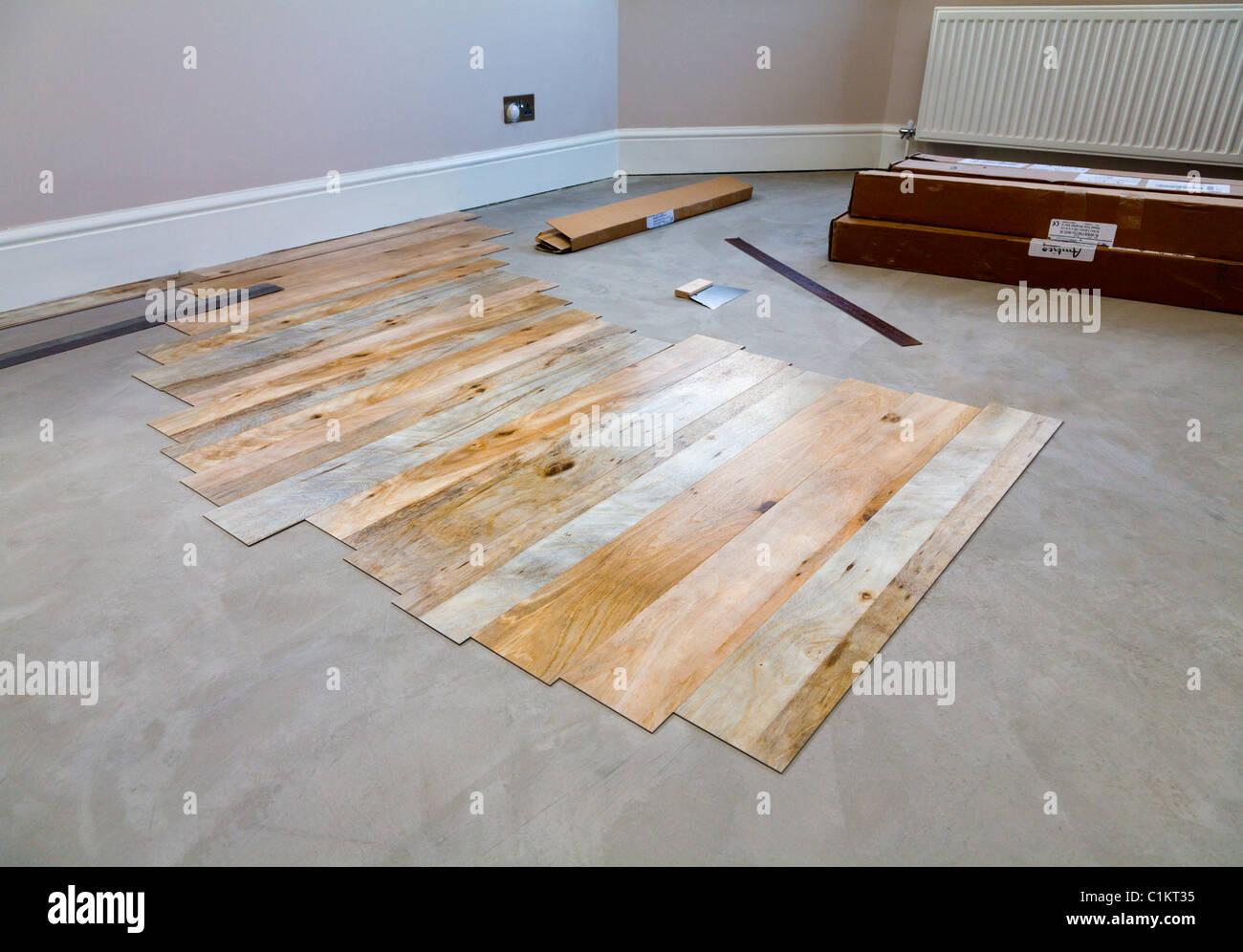 Fußbodenbelag Amtico ~ Verlegung von amtico bodenbelag stockfoto bild: 35471385 alamy