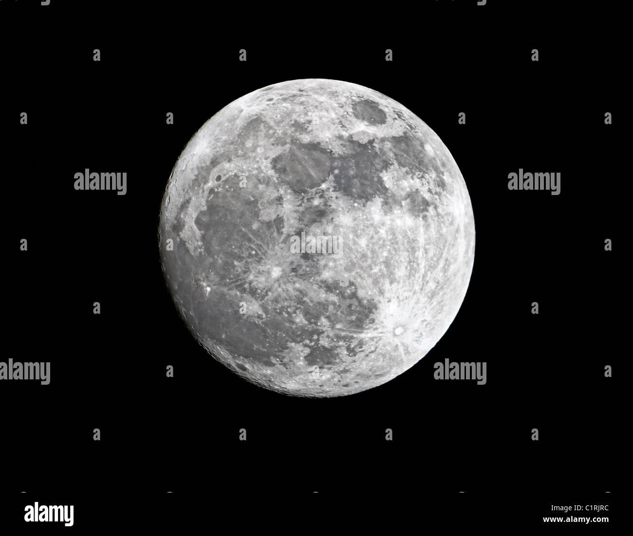 Nahaufnahme von waxing Crescent super Mond, 98 % der vollständigen, in der Nähe seiner Perigäum, Stockbild