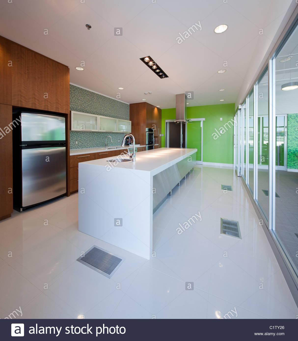 Küche des modernen Büros. Stockbild