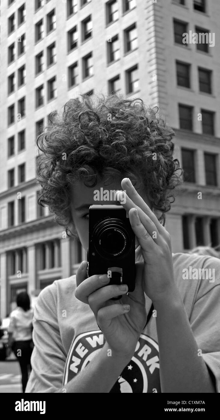Young New York Touristen fotografieren mit einer Kamera. Stockbild