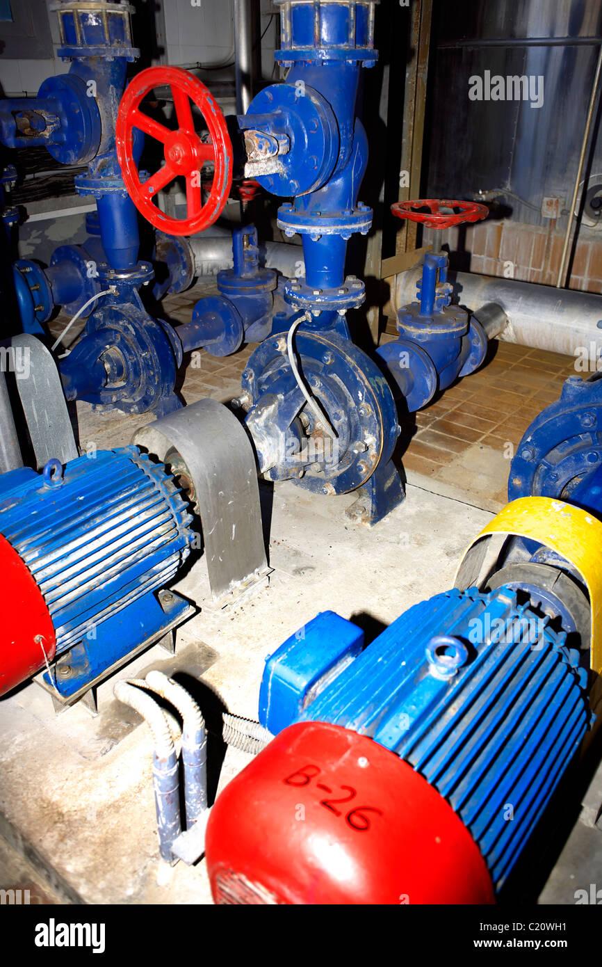 Armaturen industrie  Industrie-Armaturen und Pumpen, Leitungen, Rohre, Industrie ...