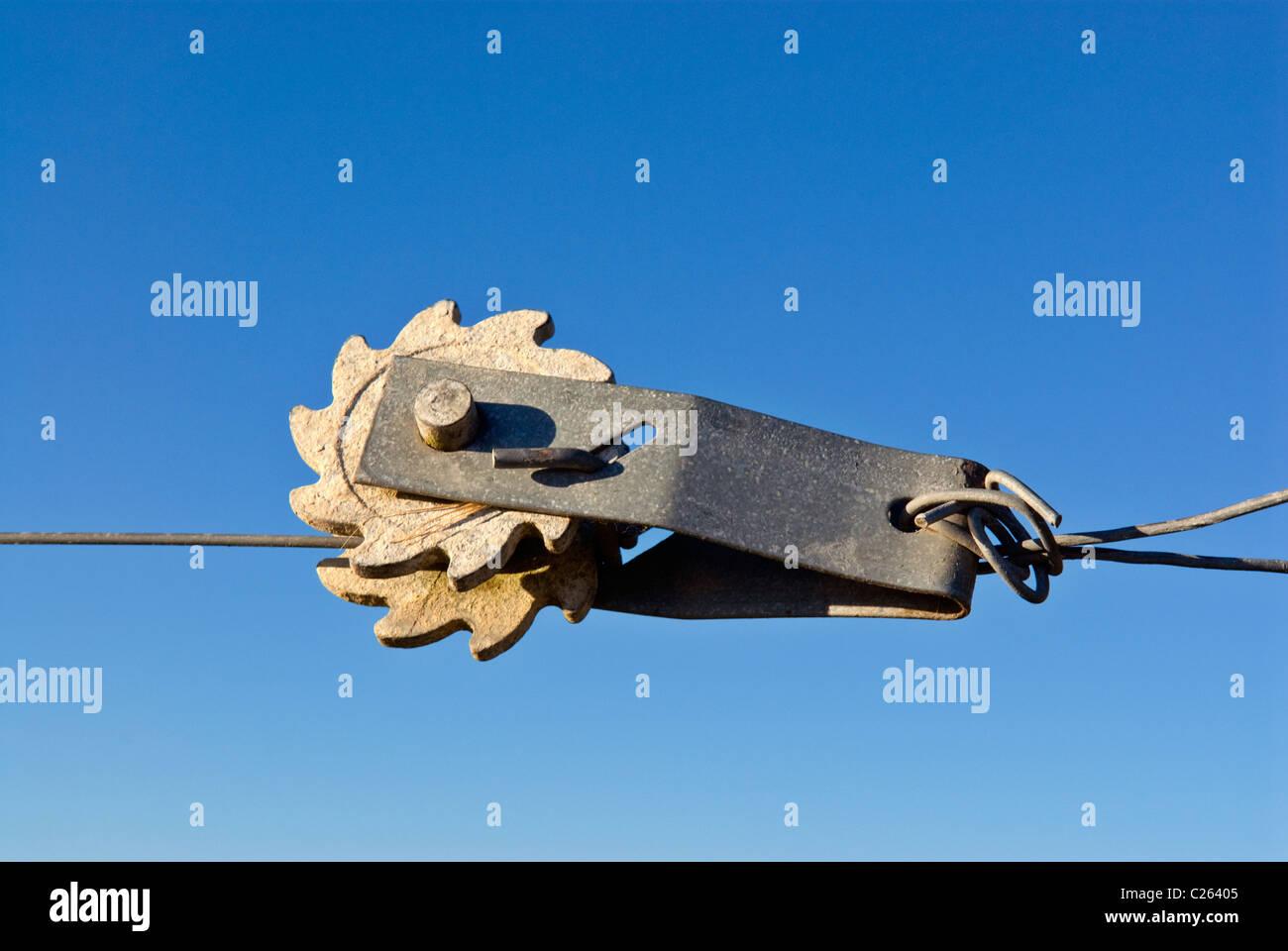 Wire Tensioner Stockfotos & Wire Tensioner Bilder - Alamy