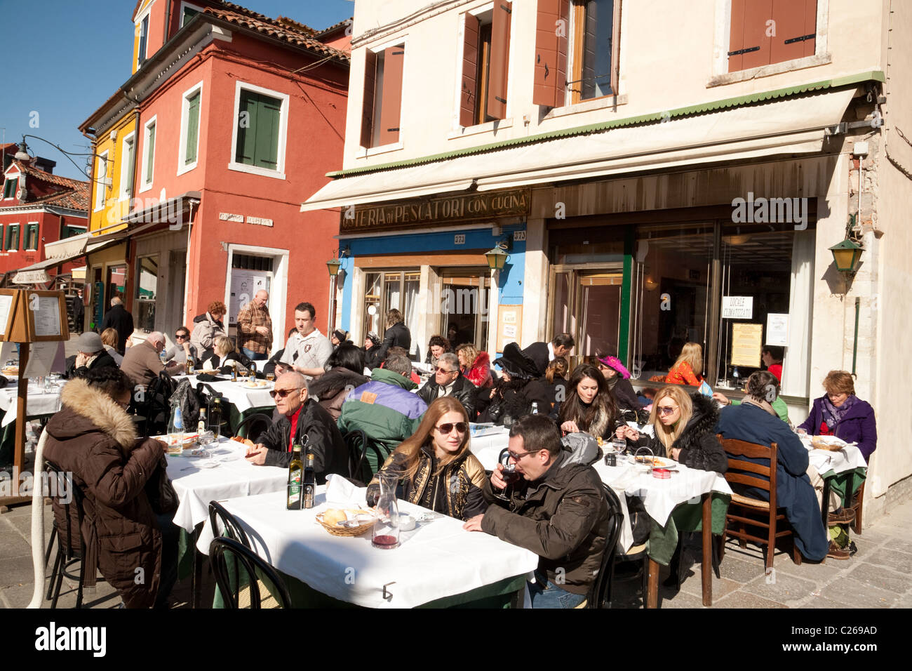 venice italy restaurant people stockfotos venice italy restaurant people bilder alamy. Black Bedroom Furniture Sets. Home Design Ideas