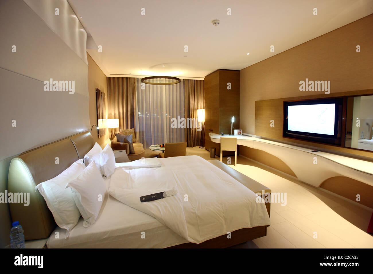 Yas Hotel auf Yas Island, Teil der Formel1 Rennstrecke, Design-Hotel auf Yas-Island, Abu Dhabi, Vereinigte Arabische Stockbild