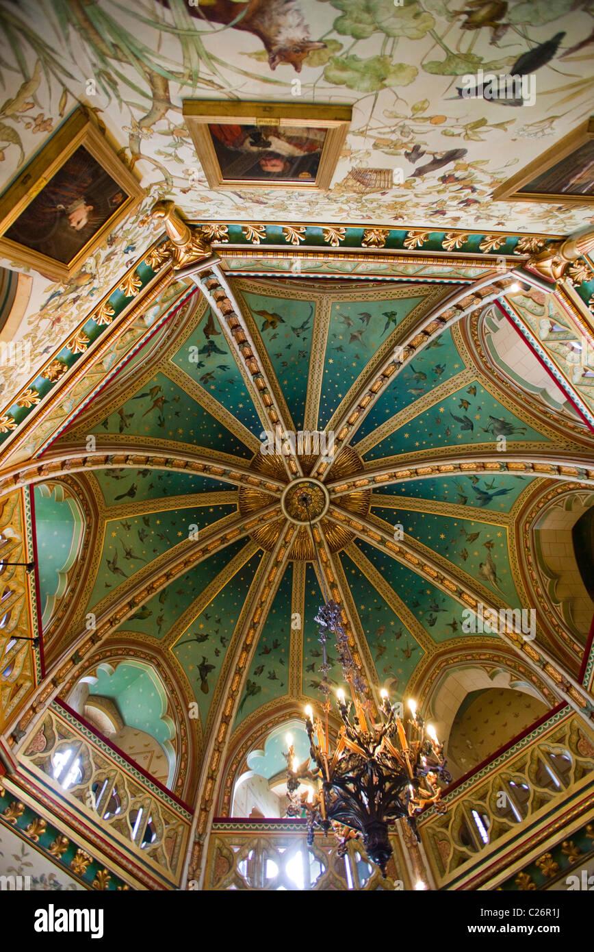 Reiche Dekoration auf gewölbte Decke in den Salon am Castell Coch ...