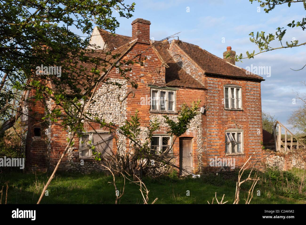 Einem verlassenen Bauernhaus in der ländlichen Gegend von Wheeler Ende, Buckinghamshire. Stockfoto