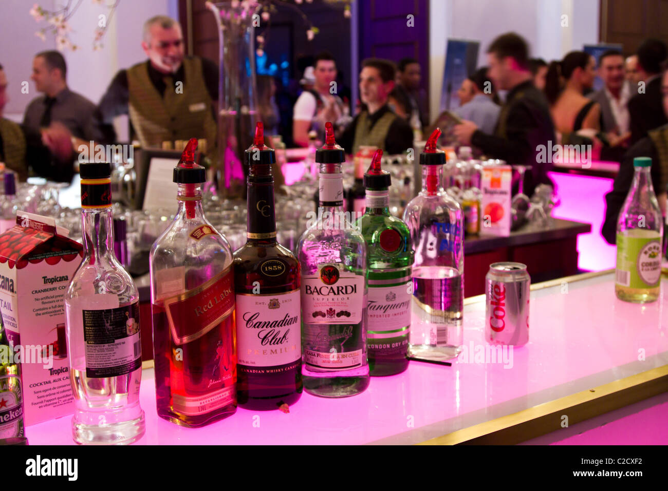 booze stockfotos booze bilder alamy. Black Bedroom Furniture Sets. Home Design Ideas