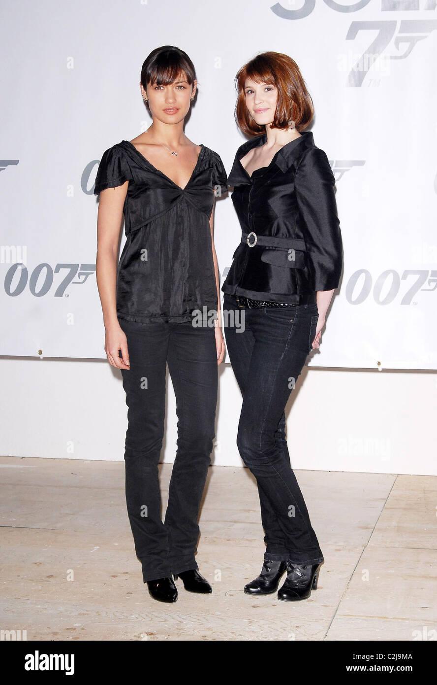 Olga Kurylenko Und Gemma Arterton James Bond 007 Fototermin Für