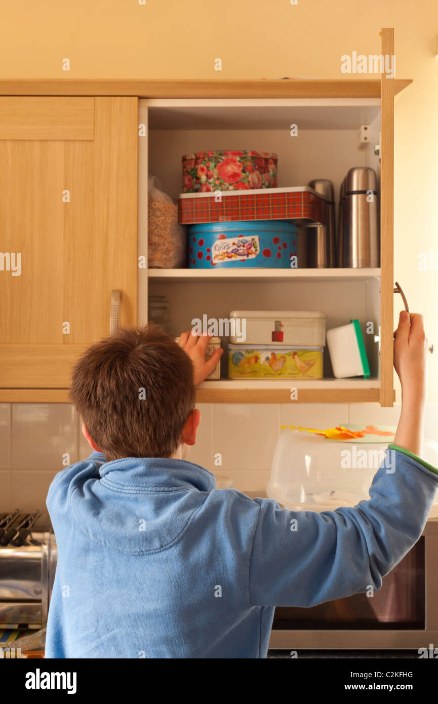 Child Kitchen Cupboard Stockfotos & Child Kitchen Cupboard Bilder ...