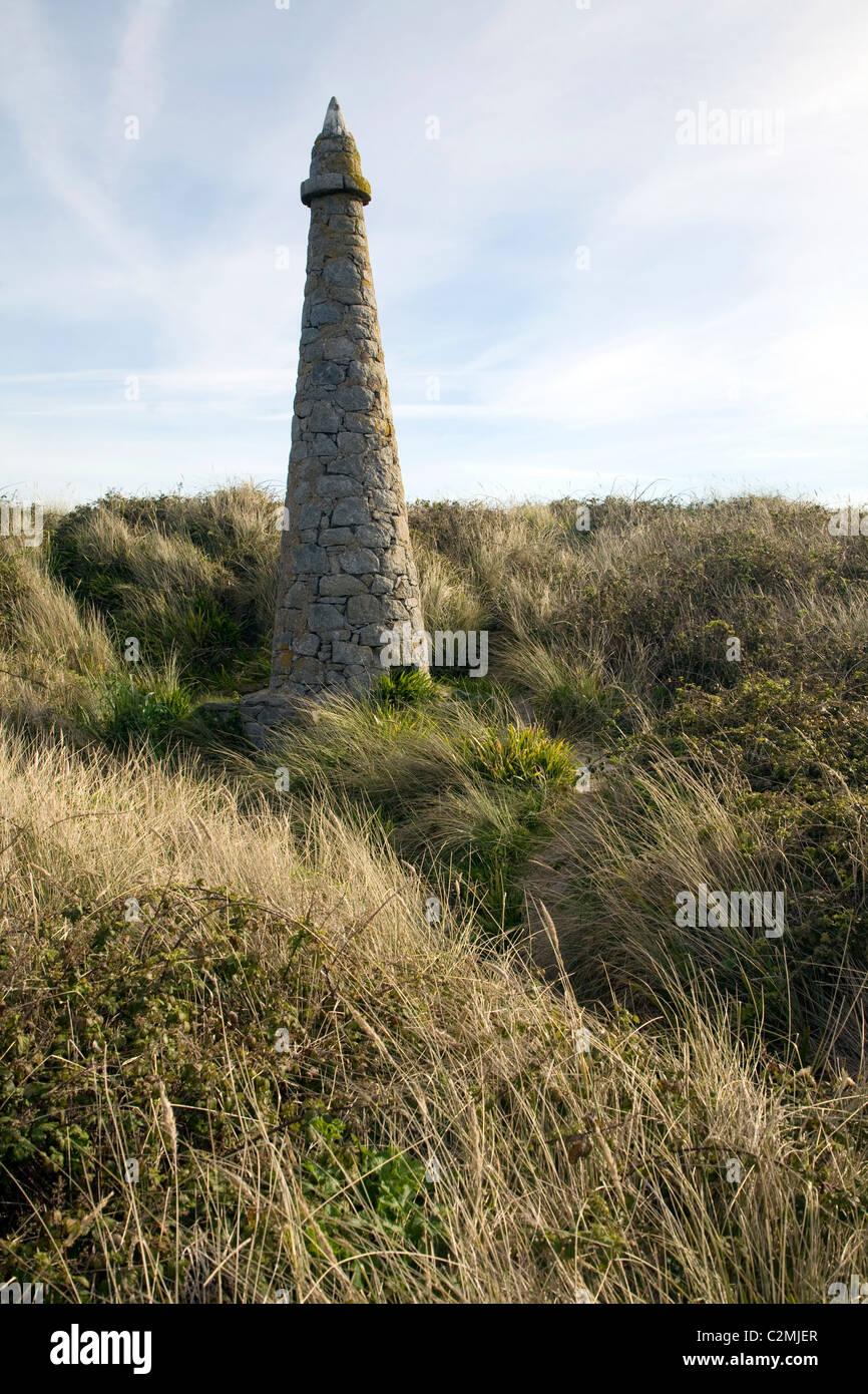 Pierre Aux Ratten Obelisk im nördlichen Teil der Insel Herm, Kanalinseln, große Britai Stockbild