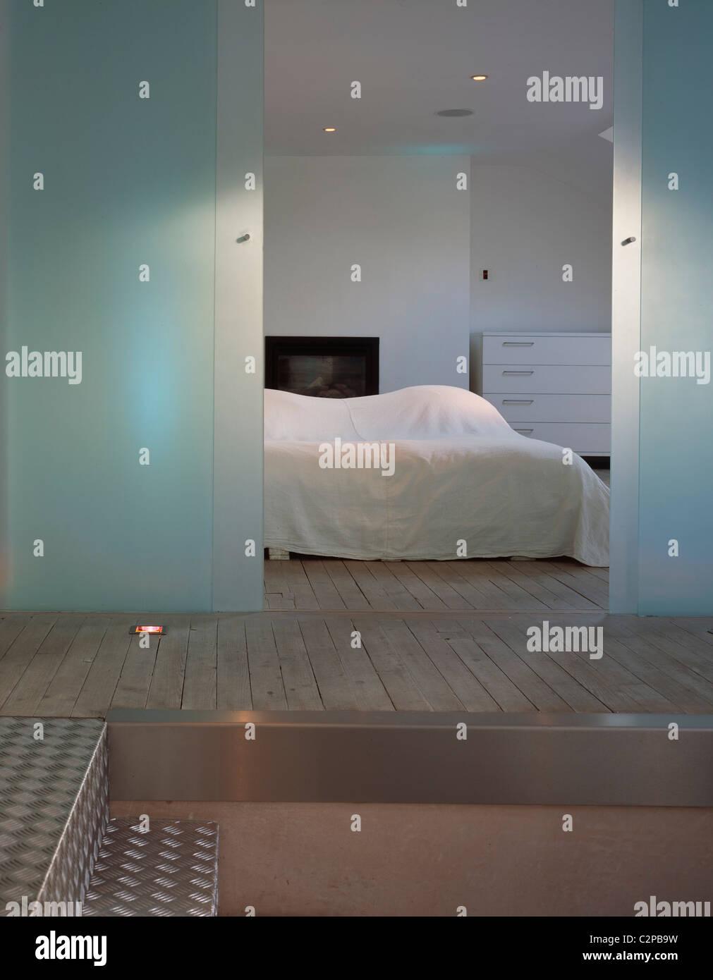 Bedrooms Stairs Stockfotos & Bedrooms Stairs Bilder - Alamy