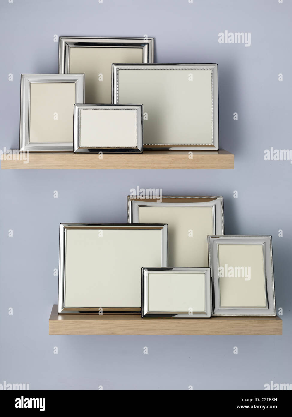 Picture Frames Shelf Stockfotos & Picture Frames Shelf Bilder - Alamy