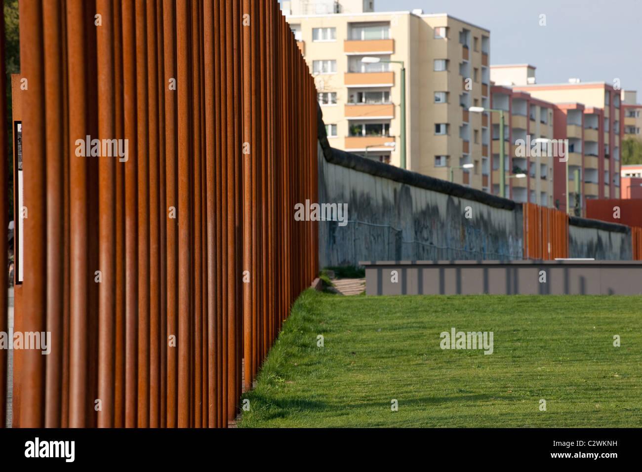 Die Berliner Mauer an der Bernauerstrasse Stockbild