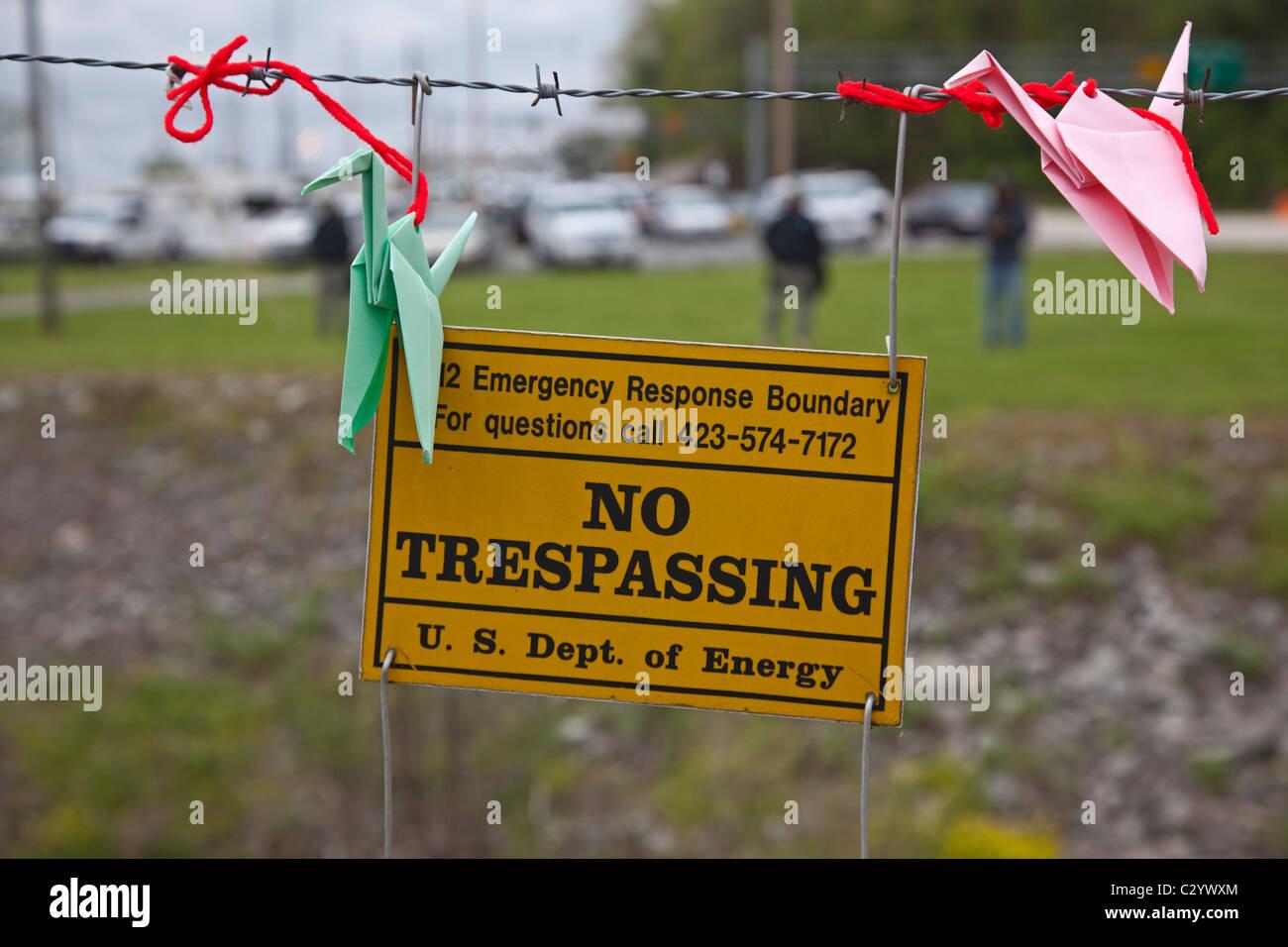 Friedensaktivisten protestieren Atomwaffen Produktion in Oak Ridge Waffen Einrichtung Stockbild