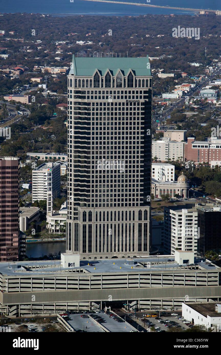 Luftaufnahme über 100 North Tampa Büroturm Tampa Florida Stockbild