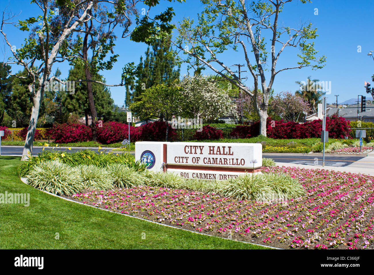 Camarillo Kalifornien Rathaus Mit Frischen Neuen Blumen In Der